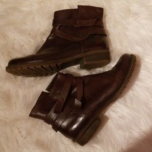 Leather Kenneth Cole Reaction Womens sz 10 Booties